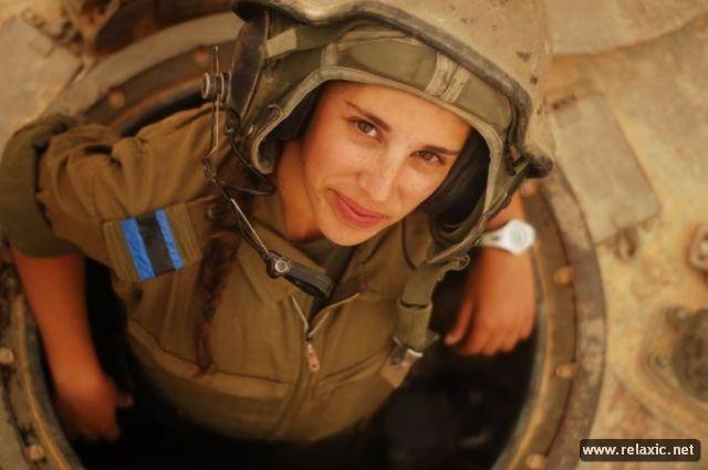 Những nữ quân nhân xinh đẹp Israel khiến giới mày râu cũng phải cúi chào ảnh 13
