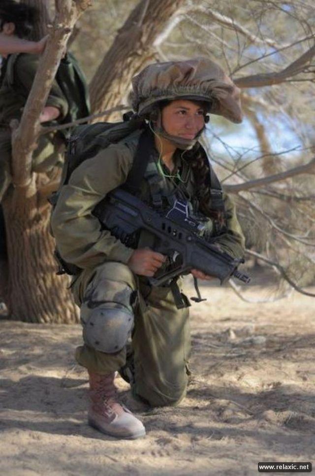 Những nữ quân nhân xinh đẹp Israel khiến giới mày râu cũng phải cúi chào ảnh 15