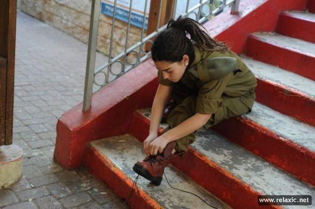 Những nữ quân nhân xinh đẹp Israel khiến giới mày râu cũng phải cúi chào ảnh 18