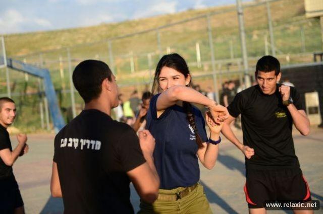 Những nữ quân nhân xinh đẹp Israel khiến giới mày râu cũng phải cúi chào ảnh 22