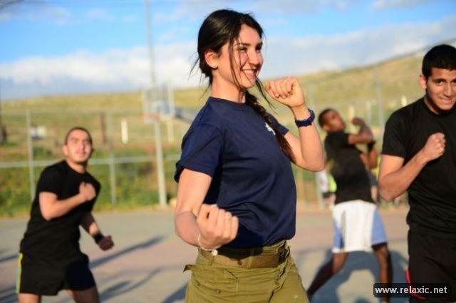 Những nữ quân nhân xinh đẹp Israel khiến giới mày râu cũng phải cúi chào ảnh 23