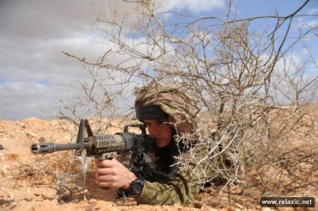 Những nữ quân nhân xinh đẹp Israel khiến giới mày râu cũng phải cúi chào ảnh 25