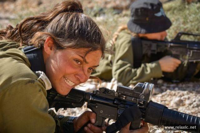 Những nữ quân nhân xinh đẹp Israel khiến giới mày râu cũng phải cúi chào ảnh 27