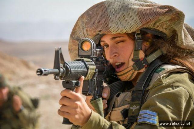 Những nữ quân nhân xinh đẹp Israel khiến giới mày râu cũng phải cúi chào ảnh 28
