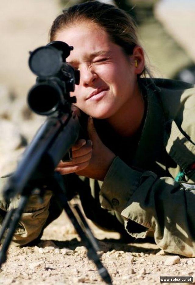 Những nữ quân nhân xinh đẹp Israel khiến giới mày râu cũng phải cúi chào ảnh 35