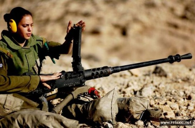 Những nữ quân nhân xinh đẹp Israel khiến giới mày râu cũng phải cúi chào ảnh 36