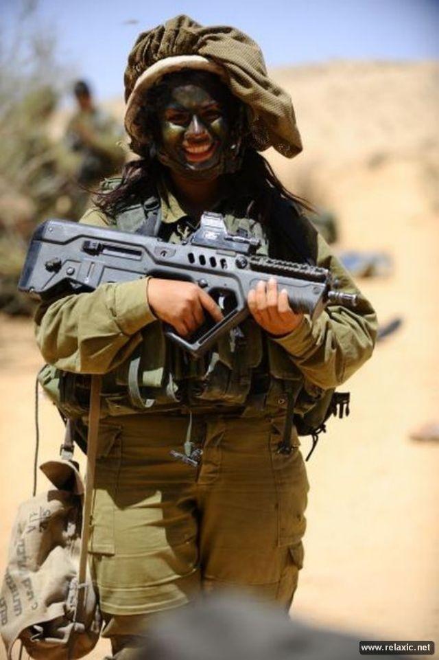 Những nữ quân nhân xinh đẹp Israel khiến giới mày râu cũng phải cúi chào ảnh 38