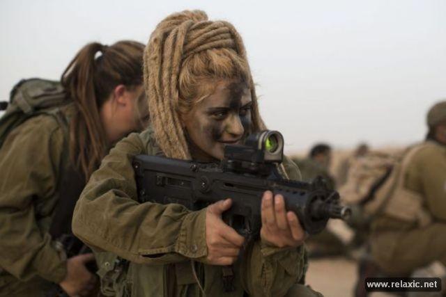 Những nữ quân nhân xinh đẹp Israel khiến giới mày râu cũng phải cúi chào ảnh 42