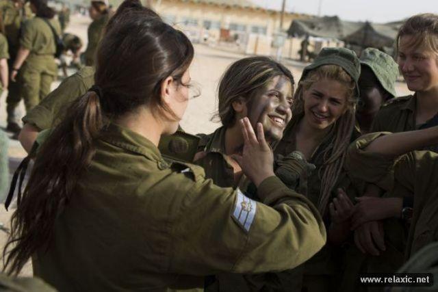 Những nữ quân nhân xinh đẹp Israel khiến giới mày râu cũng phải cúi chào ảnh 48
