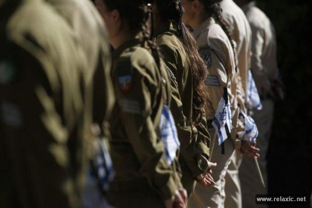 Những nữ quân nhân xinh đẹp Israel khiến giới mày râu cũng phải cúi chào ảnh 62