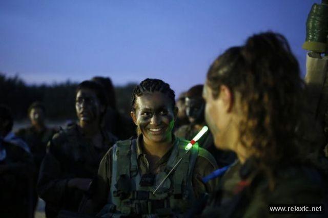 Những nữ quân nhân xinh đẹp Israel khiến giới mày râu cũng phải cúi chào ảnh 67