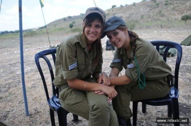Những nữ quân nhân xinh đẹp Israel khiến giới mày râu cũng phải cúi chào ảnh 73