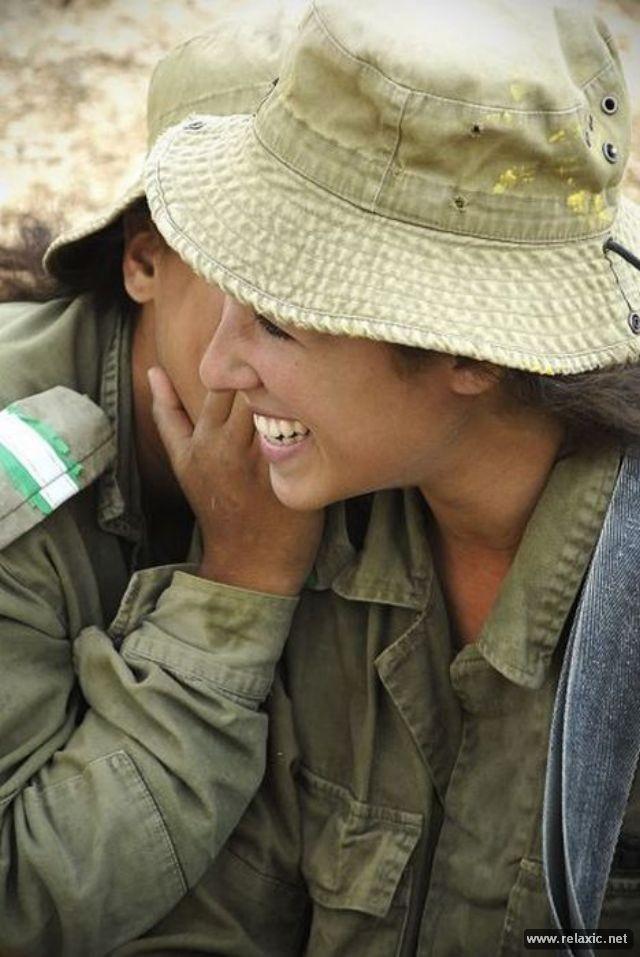 Những nữ quân nhân xinh đẹp Israel khiến giới mày râu cũng phải cúi chào ảnh 82