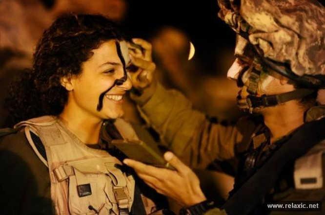 Những nữ quân nhân xinh đẹp Israel khiến giới mày râu cũng phải cúi chào ảnh 87