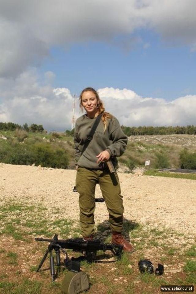Những nữ quân nhân xinh đẹp Israel khiến giới mày râu cũng phải cúi chào ảnh 93