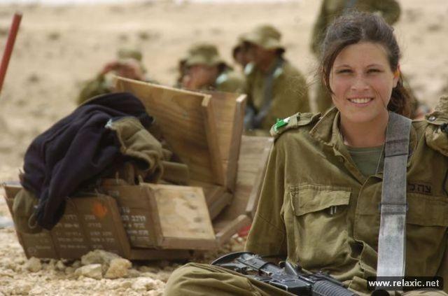 Những nữ quân nhân xinh đẹp Israel khiến giới mày râu cũng phải cúi chào ảnh 96