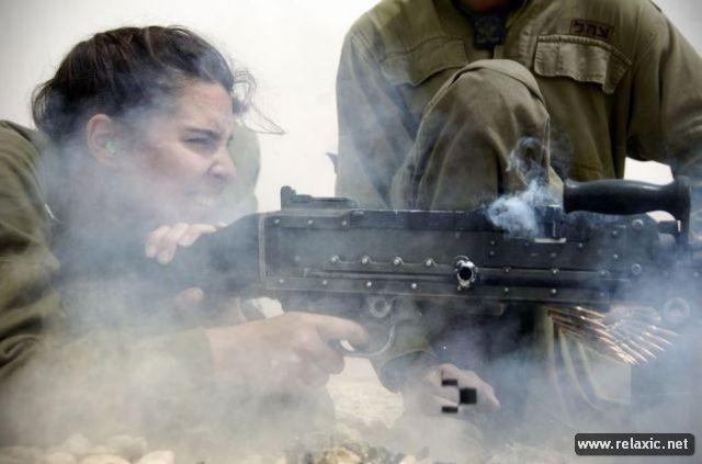 Những nữ quân nhân xinh đẹp Israel khiến giới mày râu cũng phải cúi chào ảnh 97