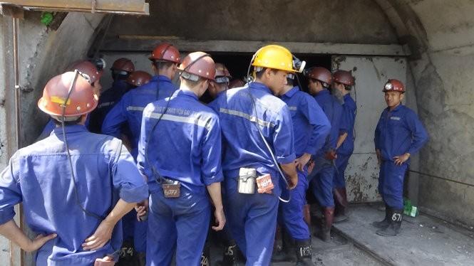 300 người đang giải cứu thợ mỏ Hòn Gai ở độ sâu 165m ảnh 5
