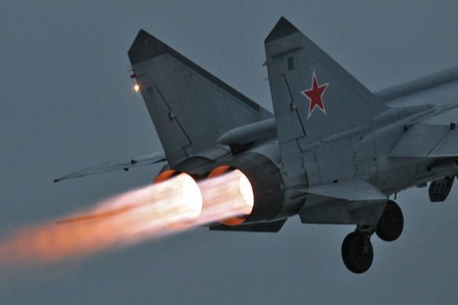Khám phá bí mật siêu tiêm kích thống trị bầu trời MiG-31 ảnh 6
