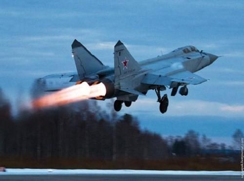 Khám phá bí mật siêu tiêm kích thống trị bầu trời MiG-31 ảnh 3