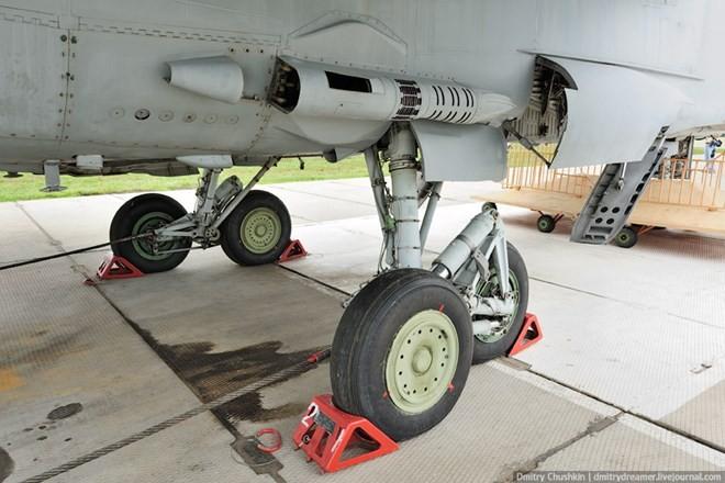 Khám phá bí mật siêu tiêm kích thống trị bầu trời MiG-31 ảnh 7