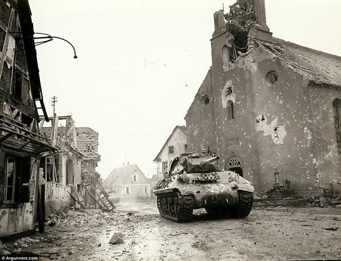 Chùm ảnh bi thảm Đại chiến thế giới thứ II của tướng 4 sao Mỹ ảnh 7