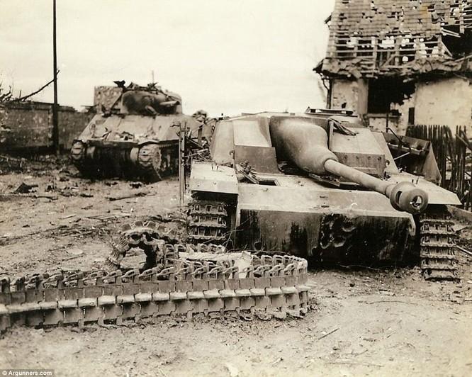 Chùm ảnh bi thảm Đại chiến thế giới thứ II của tướng 4 sao Mỹ ảnh 8