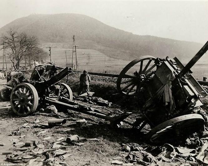Chùm ảnh bi thảm Đại chiến thế giới thứ II của tướng 4 sao Mỹ ảnh 16