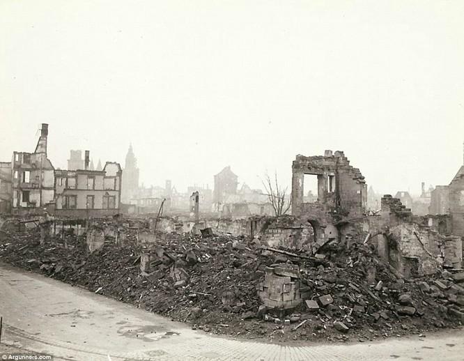 Chùm ảnh bi thảm Đại chiến thế giới thứ II của tướng 4 sao Mỹ ảnh 23
