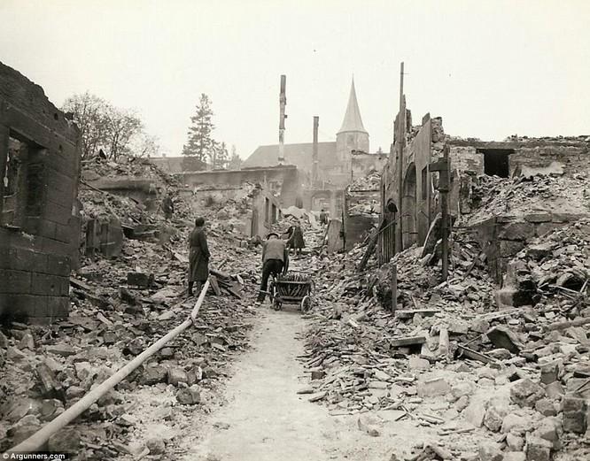 Chùm ảnh bi thảm Đại chiến thế giới thứ II của tướng 4 sao Mỹ ảnh 24