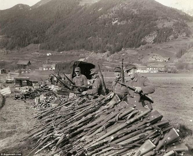 Chùm ảnh bi thảm Đại chiến thế giới thứ II của tướng 4 sao Mỹ ảnh 31