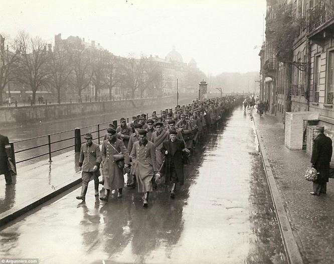 Chùm ảnh bi thảm Đại chiến thế giới thứ II của tướng 4 sao Mỹ ảnh 32