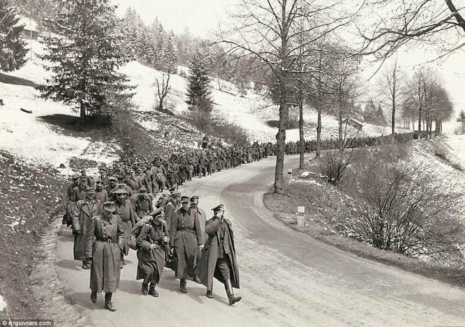 Chùm ảnh bi thảm Đại chiến thế giới thứ II của tướng 4 sao Mỹ ảnh 33