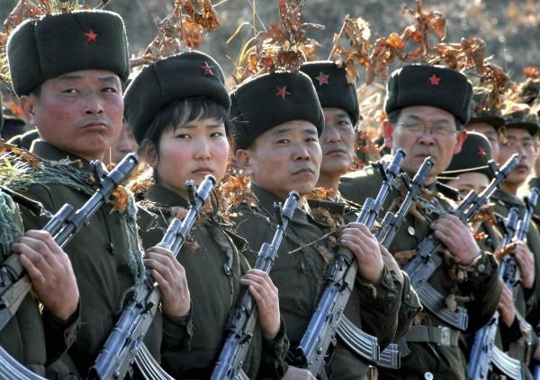Triều Tiên lệnh cho binh sỹ bước vào trạng thái chiến tranh ảnh 12