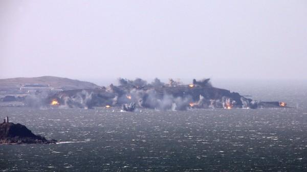 Triều Tiên lệnh cho binh sỹ bước vào trạng thái chiến tranh ảnh 13
