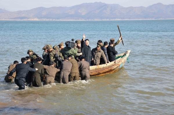 Triều Tiên lệnh cho binh sỹ bước vào trạng thái chiến tranh ảnh 16