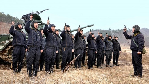 Triều Tiên lệnh cho binh sỹ bước vào trạng thái chiến tranh ảnh 19