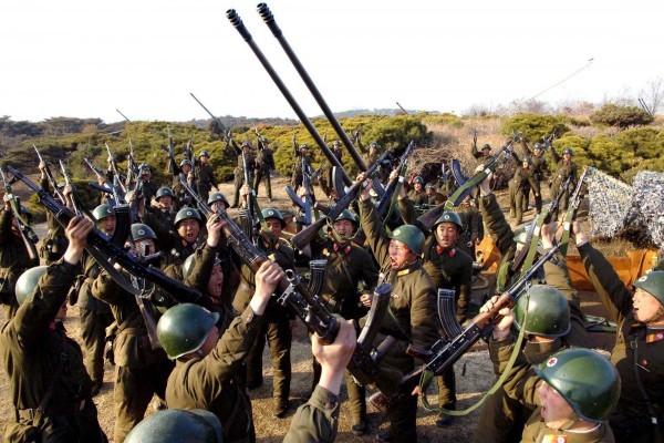 Triều Tiên lệnh cho binh sỹ bước vào trạng thái chiến tranh ảnh 20