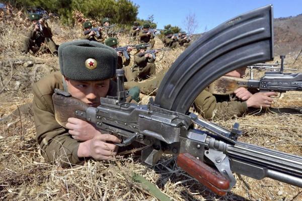 Triều Tiên lệnh cho binh sỹ bước vào trạng thái chiến tranh ảnh 21