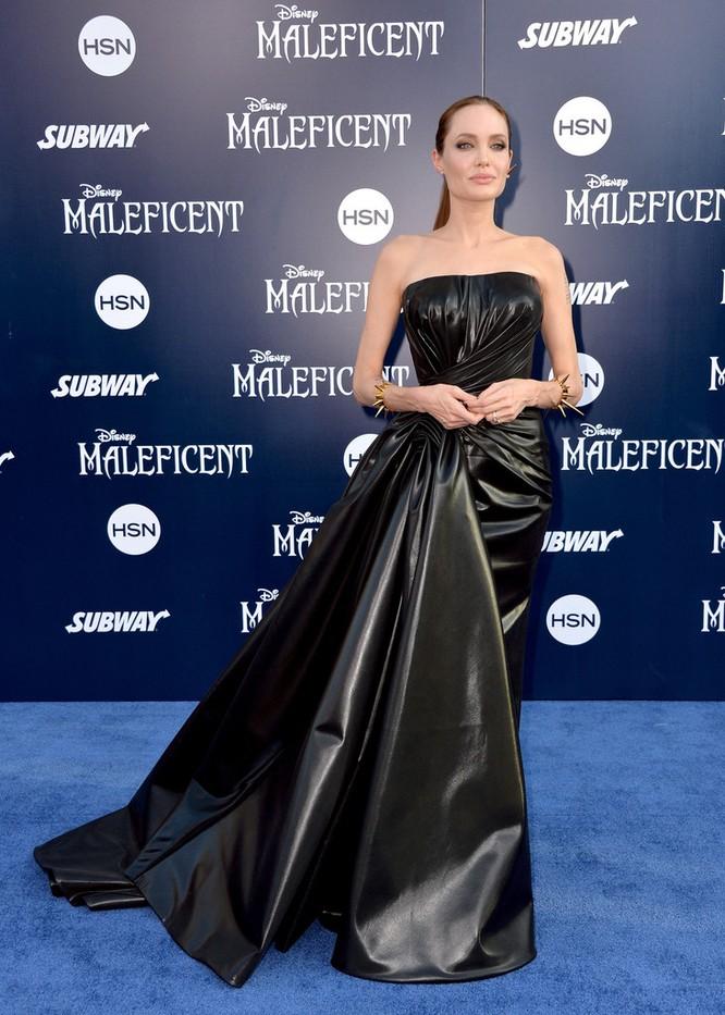 Sự thay đổi phong cách của Angelina Jolie ảnh 32