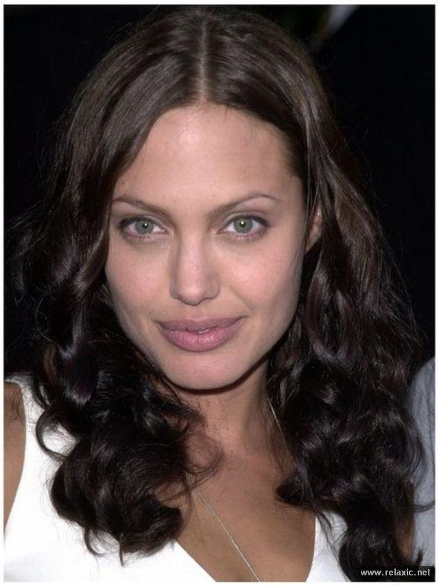 Sự thay đổi phong cách của Angelina Jolie ảnh 9