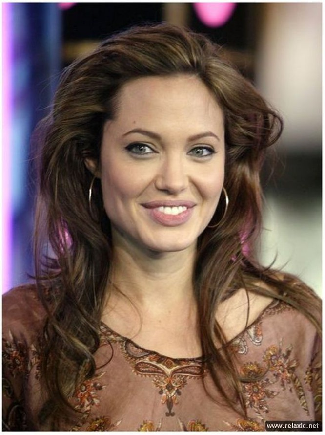 Sự thay đổi phong cách của Angelina Jolie ảnh 12