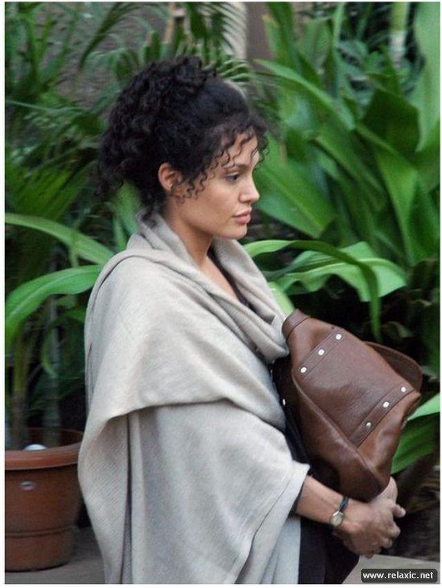 Sự thay đổi phong cách của Angelina Jolie ảnh 18