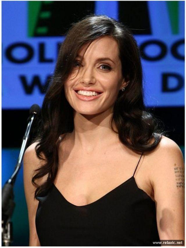 Sự thay đổi phong cách của Angelina Jolie ảnh 21