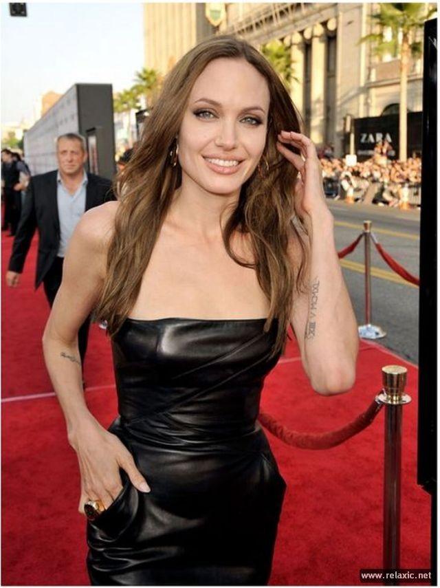 Sự thay đổi phong cách của Angelina Jolie ảnh 23