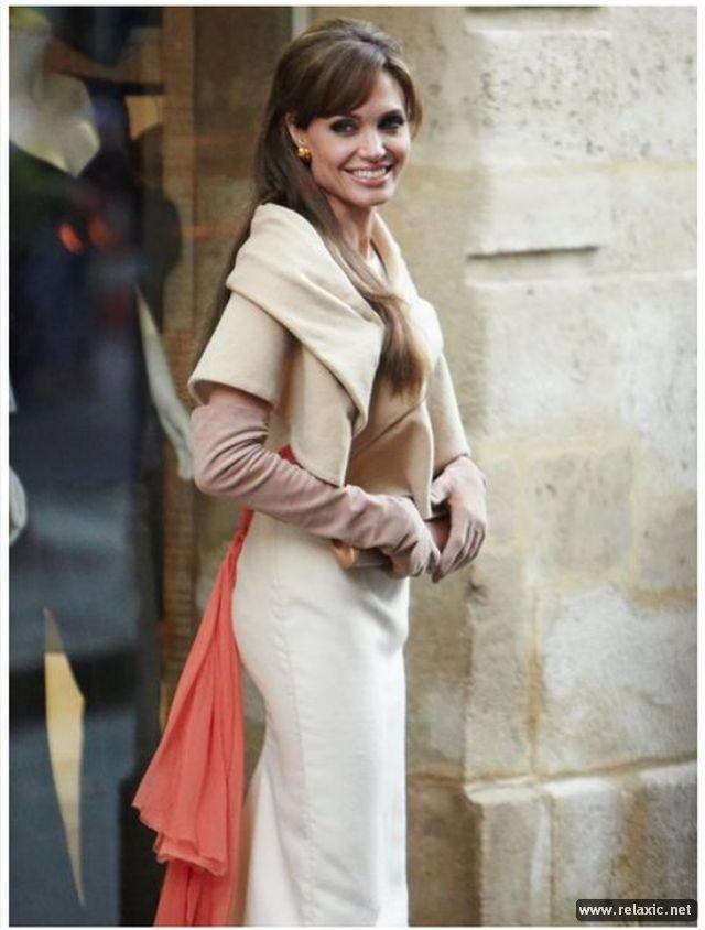 Sự thay đổi phong cách của Angelina Jolie ảnh 24