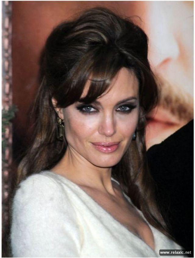 Sự thay đổi phong cách của Angelina Jolie ảnh 26
