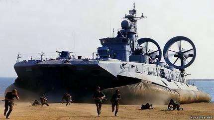 """Lướt trên sóng đại dương - tàu đổ bộ đệm khí Bò rừng """"Zubr"""" ảnh 7"""