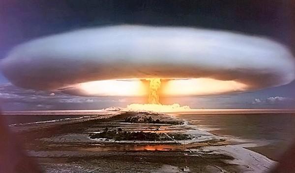 """""""Hoàng đế bom"""" trở về Moscow - Bom nhiệt hạch AN602 ảnh 1"""