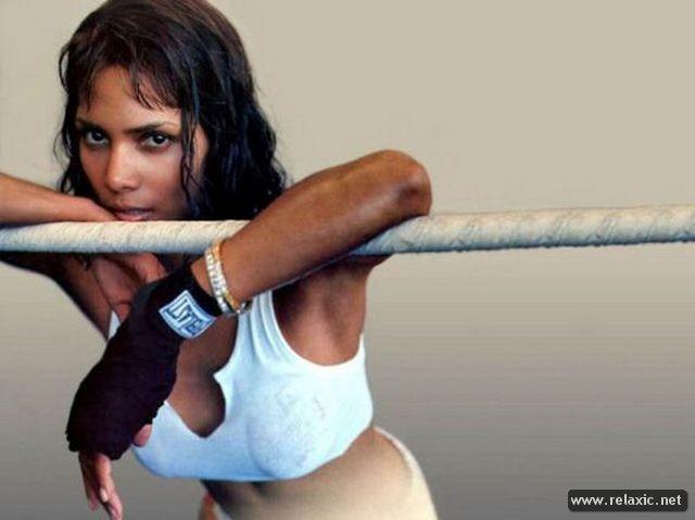 Chiêm ngưỡng nhan sắc hút hồn của Bond Girl - Halle Berry ảnh 12